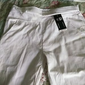 Never wore, Lind Michael white strech pants.